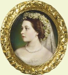 Victoria, Princess Royal in her wedding dress, Henry Charles Heath, 1858 Queen Victoria Family, Queen Victoria Prince Albert, Victoria And Albert, Princesa Victoria, Frederick William, Prince Frederick, Miniature Portraits, Miniature Paintings, English Royalty