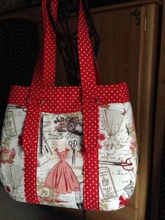 Swoon patterns Evelyn Market Tote Bag made by Laurette Chandler for Make It Pretty Purses.