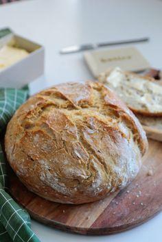 Chrupiący chleb pszenny na suchych drożdżach - niezawodny przepis, najprostszy - mrspolkadot Gluten, Breads, Brot, Bread Rolls, Bread, Braided Pigtails, Buns