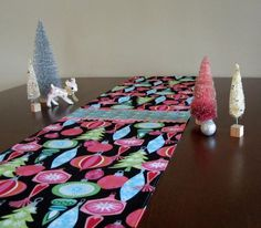 Retro Mid Century Atomic Style Christmas Holiday Ornaments Table Runner, New, Hand Made by Tiki Queen