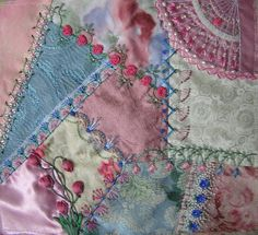 I love the fan in this! Love the colors! I think this is going to be the inspiration for my C-Razy quilt.