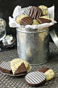 Black Sesame Shortbread Cookies - SugarHero
