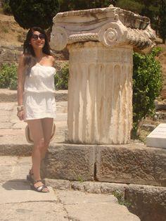 Pilar Uribe - Atenas / GRECIA Shoulder Dress, Dresses, Fashion, Athens Greece, Vestidos, Moda, Fashion Styles, Dress, Fashion Illustrations
