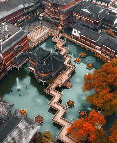 Fantasy Art Landscapes, Fantasy Landscape, Beautiful Landscapes, Beautiful Scenery, China Architecture, Beautiful Architecture, Gothic Architecture, Garden Architecture, Ancient Architecture