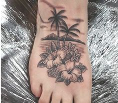 30 Superb Palm Tree Tattoo Designs and Meaning #hawaiiantattoosforwomen