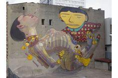 Hi Buddies, olha que idéia maneira… Os artistas e irmãos da dupla Os Gêmeos uniram-se ao jovem artista catalão Aryz (Espanha) para colaborar em uma parede enorme para o Urban