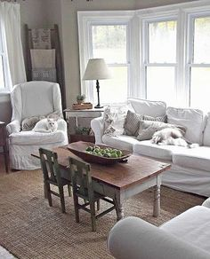Vintage French Soul ~ Rustic Farmhouse coffee table with little kiddo chairs! Cottage Living Rooms, Home Living Room, Living Room Decor, Tiny Living, Dining Room, Farmhouse Table, Rustic Farmhouse, Style Deco, Deco Design