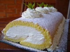 Brazo de Gitano de Nata: I've been craving this ever since I tried a slice at a Madrid bakery this summer. (I love lemon, but I'd leave it out of this recipe. Italian Dishes, Italian Recipes, Log Cake, My Dessert, Sweet Bread, Vanilla Cake, Cupcake Cakes, Cake Recipes, Bakery