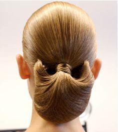 Stunning hair by Odile Gilbert for Altuzarra #chignons
