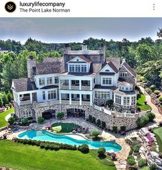 OMG what a palace!!!! I want this.  Lol  one day.
