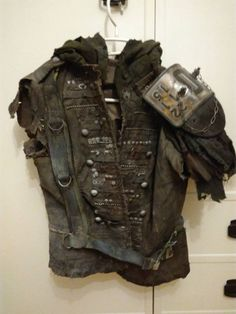 Post Apocalyptic Clothing, Post Apocalyptic Costume, Post Apocalyptic Fashion, Mad Max, Fallout Props, Dystopia Rising, Fallout Cosplay, Wasteland Weekend, Larp Armor