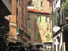 """""""Conhecendo a cidade de Brescia – Roteiro de um dia com itinerário a pé!"""" by @Italianablog"""