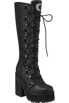 You're a daydreamer and a night thinker; the enchanted 'Selene' boots come in a luxe faux-leather adorned with crescent moon hardware, lace-up + buckles feature and a 5 Edgy Outfits, Mode Outfits, Grunge Outfits, Fashion Outfits, Botas Goth, Cute Shoes, Me Too Shoes, Mode Punk, Goth Boots