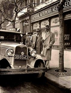 Old Pictures, Old Photos, History Photos, Budapest Hungary, Historical Photos, Antique Cars, The Past, Holiday, Automobile