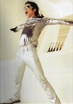 Michael Jackson:  It was this BIG!
