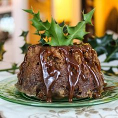 Figgy Pudding Recipe for a Traditional Christmas Charles Dickens-Style Easy Christmas Treats, Holiday Treats, Christmas Recipes, Christmas Foods, Christmas Things, Holiday Foods, Christmas 2019, Holiday Recipes, Christmas Ideas