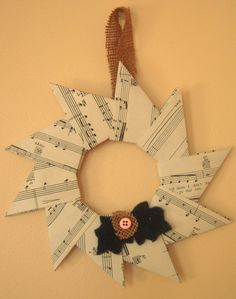 Origami Christmas Wreath - with video instructions, use vintage Xmas music