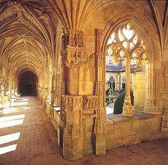 Dordogne : Abbaye de Cadouin, située dans le sud du Périgord (XVe siècle).