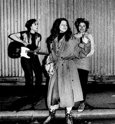 Early Slits with Ari, Palmolive and Kate Korus. London, 1976. Photographer unknown.
