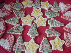 Fursecuri pentru Craciun - CAIETUL CU RETETE Romanian Food, Cookies, Party, Desserts, Blog, Christmas, How To Make, Health, Winter
