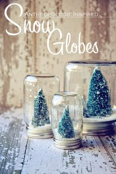 Prepare your home for the merriest holiday ever with these homemade Christmas decorations. These crafty DIY Christmas decorations are rustically charming and easy to recreate. Diy Xmas, Homemade Christmas Decorations, Holiday Crafts, Winter Decorations, Christmas Decorations For Bedroom, Christmas Wedding Centerpieces, Rustic Winter Decor, Diy Christmas Decorations For Home, Wedding Centrepieces