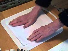 Eenvoudig monotype op een plastic snijplankje Uitgetest en niet geschikt bevonden. Plankje is ruw,schilderen duurt daardoor te lang,de verf is opgedroogd als je wil beginnen.