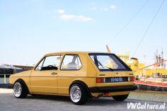 Gelb 1980 VW Golf MK 1