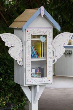 "Mini Neighborhood Library ""Give n' Take"""