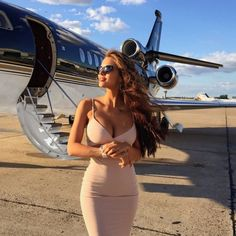 ✈️ Wish we were with on her private jet in the best selling . ✈️ Wish we were with on her private jet in the best selling Heidi Bodycon in nude✈️ Viki Odintcova, Style Feminin, Luxury Girl, Lady Luxury, Rich Lifestyle, Lifestyle News, Luxury Lifestyle Women, Billionaire Lifestyle, Rich Girl