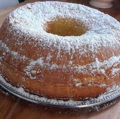 Bouscoutou tunisien – Toute la cuisine que j'aime French Sweets, Gateau Cake, Cannoli Cake, Desserts With Biscuits, Food C, Sweet Corner, Arabic Food, Round Cakes, Croissants