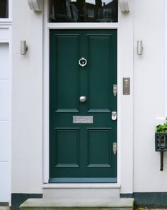 House colors exterior victorian front doors ideas for 2019 Contemporary Front Doors, Modern Front Door, House Front Door, Front Door Design, Glass Front Door, House Doors, House Entrance, Front Porch, Georgian Doors