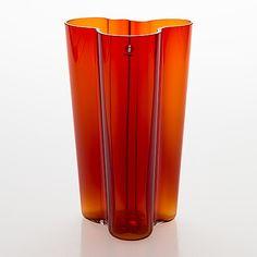"""Alvar Aalto, Vas """"Savoy"""", glas. Signerad Iittala. - Bukowskis Glass Design, Design Art, Alvar Aalto, Bukowski, Modern Contemporary, Retro Vintage, Vase, Home Decor, Auction"""