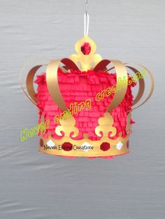 Crown Pinata di NeverEndingCreation su Etsy