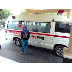 SELFIE DE BUENOS DÍAS MUNDOOO desde INDONESIA !!  Para nosotros es un placer cuando recibimos todos los selfies de todos los países del mundo. Hoy comenzamos desde #Indonesia con la compañera enfermera @occy_lia que envía saludos desde su país a todos los seguidores.  Buenos días Indonesia, buenos días mundooo...!!! Indonesia Selamat pagi, selamat pagi dunia !!  http://www.ambulanciasyemergencias.co.vu/2015/09/INDONESIA.html #ambulancias #emergencias #perawat #ambulans #darurat
