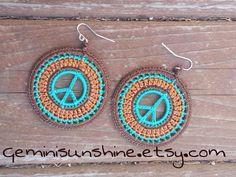Pendientes de ganchillo hippie paz por Geminisunshine en Etsy