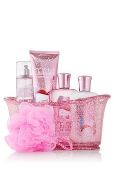 Pink Sugar Plum Splish Splash Gift Set - Web Exclusive - Signature Collection - Bath & Body Works so cute neeed Bath And Body Works Perfume, Bath N Body Works, Body Wash, Body Lotions, Body Spray, Smell Good, The Body Shop, Shower Gel, Peppermint