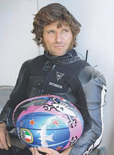 Guy Martin- what a beaut of a man Guy Martin, World Handsome Man, Beautiful Men, Beautiful People, Lady Biker, Motorcycle Style, Isle Of Man, North Face Backpack, My Guy