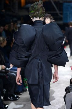 Comme des Garçons | Fall 2013 Ready-to-Wear Collection | Style.com