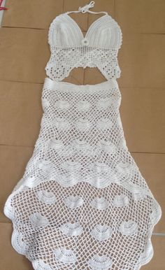 Super Ideas For Crochet Hat Adult Projects Crochet Skirts, Crochet Halter Tops, Crochet Clothes, Crochet Bikini, Crochet Top, Crochet Baby Mittens, Crochet Stitches, Crochet Patterns, Crochet Hats