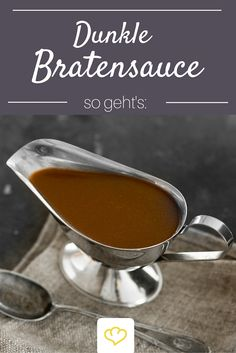 For everyone who can never have enough sauce: a dark gravy that pe . - For everyone who can never have enough sauce: a dark gravy that goes perfectly with Christmas roast - Curry Recipes, Sauce Recipes, Beef Recipes, Vegan Recipes, Cooking Recipes, Chutneys, Sauce Béarnaise, Christmas Roast, Good Food