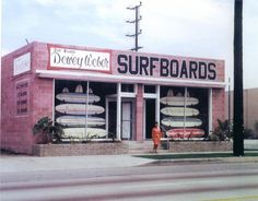 Dewey Weber Surf shop in Hermosa Beach. Surfboard Shop, Retro Surf, Retro Pop, Hermosa Beach, Hang Ten, Surfs Up, Belle Photo, Tumblr, Surf City