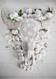 Lace longhorn in white by Love Warriors