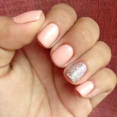 Spring and Summer Wedding Nails: Sparkly Peach Manicure