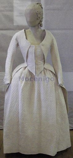 17751799   - Numero inventario museoCl. XXIV n. 0239 - Centro Studi di Storia del Tessuto e del Costume - http://www.archiviodellacomunicazione.it/Sicap/opac.aspx?WEB=MuseiVE