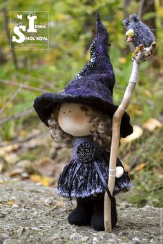 Little Witch Thea-Kitchen Witch-Handmade Doll-Textile Moldes Halloween, Manualidades Halloween, Halloween Doll, Cute Halloween, Halloween Crafts, Halloween Decorations, Felt Fairy, Kitchen Witch, Little Doll