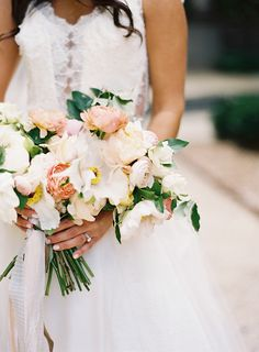 Romantic Blush Wedding Ideas via oncewed.com #wedding #bouquet #spring #blush #ranunculus #garden