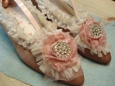 shoes altered for decoration. Vintage Shoes, Vintage Pink, Vintage Outfits, Vintage Fashion, Old Boots, Shabby Chic Crafts, Satin Roses, Period Costumes, Ribbon Work