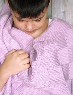 Плед детский вязаный Chess (pink) – купить или заказать в интернет-магазине на Ярмарке Мастеров | Плед детский вязаный Chess. Толстый и очень…