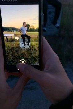 Photography Tips Iphone, Self Photography, Creative Portrait Photography, Photography Basics, Photography Lessons, Photography Editing, Photography Tutorials, Mobile Photography, Creative Instagram Photo Ideas