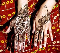 Fresh and Stylish Christmas Mehndi Designs 2014 for women